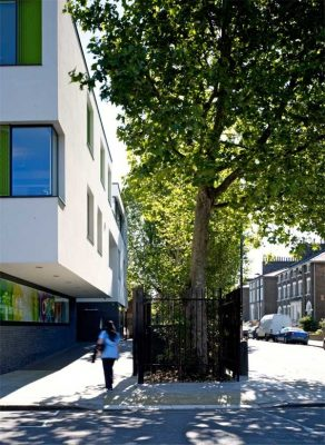 Kentish Town Health Centre London building by AHMM