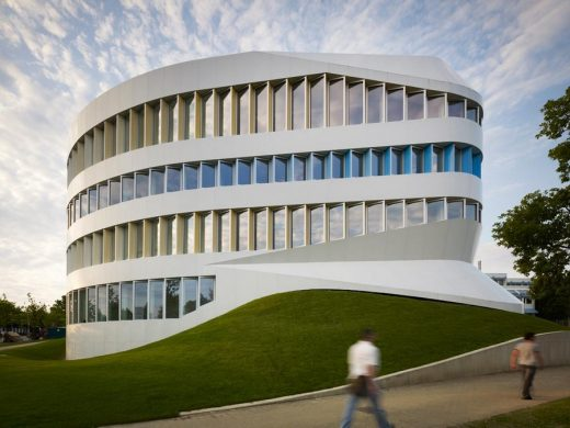 Centre for Virtual Engineering Stuttgart architecture tours