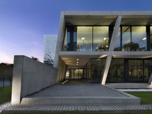 Production Hall Building in Germany design by wurm + wurm, architects