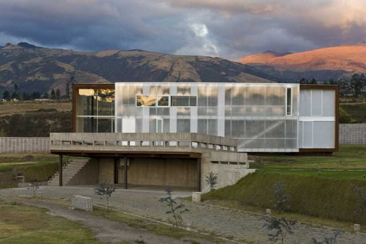 Contemporary house in the Tumbaco Valley, Quito, Ecuador