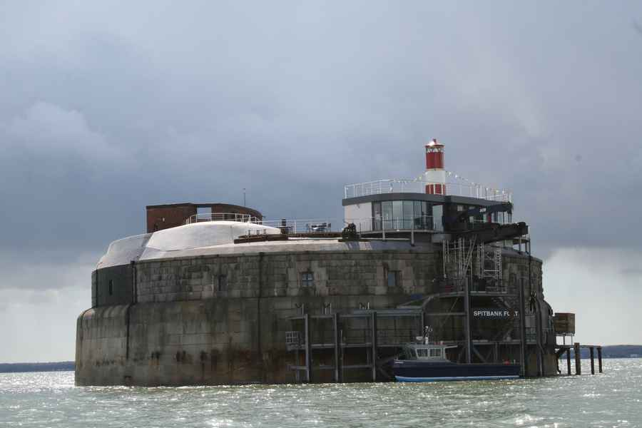 spitbank fort building victorian sea fort conversion e