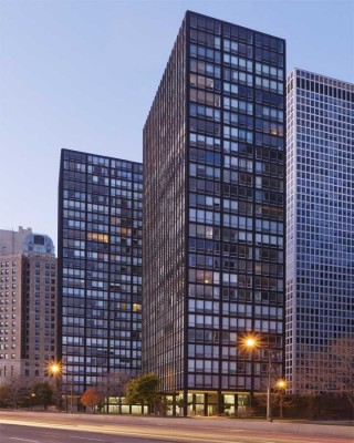860-880 Lake Shore Drive Towers Chicago