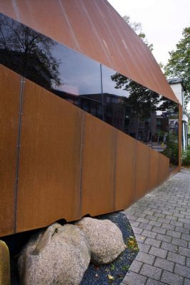 Steel Screen Emmen Corten building möhn bouman architects