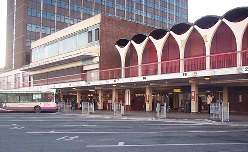 Stoke Bus Station, Building