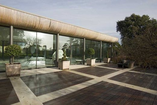 contemporary Oxfordshire Pool House