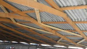 Haiti school building roof