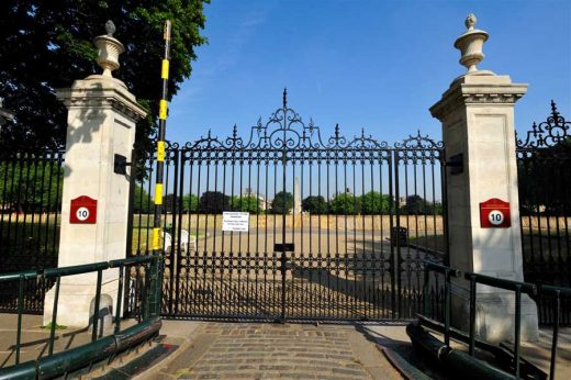 The Embankment entrance to the Royal Hospital Chelsea