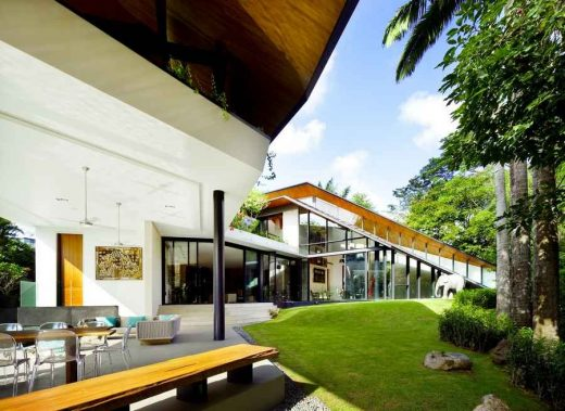 Winged House, Gallop Road Singapore residence