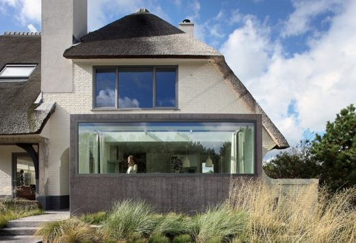 House in Noordwijk: Dutch Seaside Residence