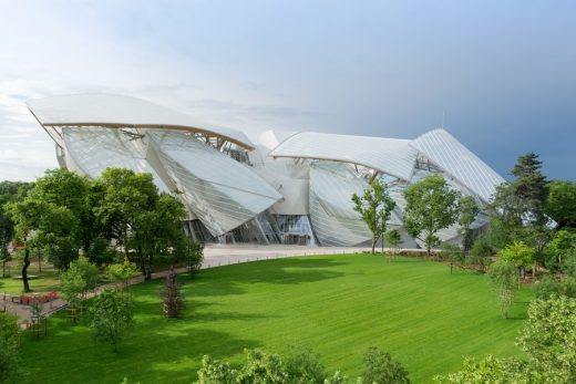 Fondation Louis Vuitton Paris building
