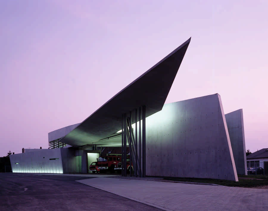 Vitra fire station german zaha hadid building e architect for Designer jobs deutschland