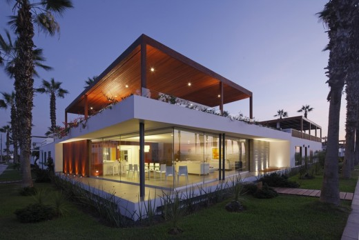 Peruvian accomodation building design by Martin Dulanto Sangalli