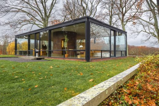philip johnson glass house new canaan architecture and design. Black Bedroom Furniture Sets. Home Design Ideas