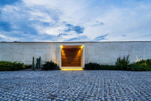 New residence in Villeta, Colombia, design by Arquitectura en Estudio + Natalia Heredia