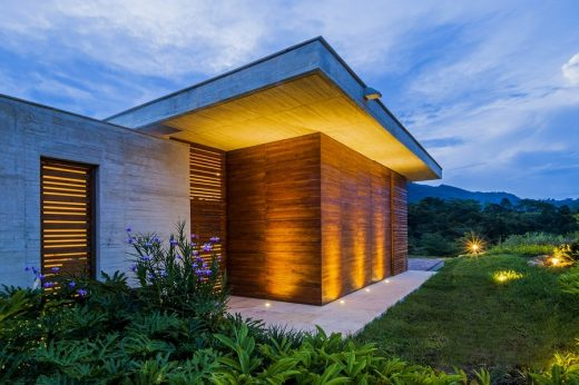 New property in Villeta, Colombia, design by Arquitectura en Estudio + Natalia Heredia