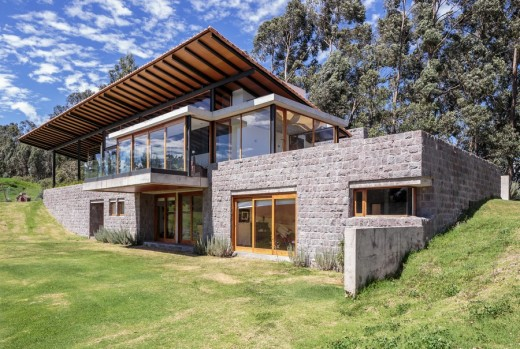 House design steep slope Home photo style