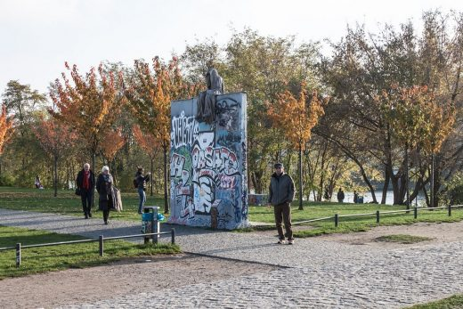 Guardians of Time in Berlin