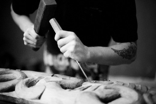 Carving the whata-a-rangi for the New Zealand Pavilion