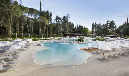 Lone Outdoor Pool Croatia 3