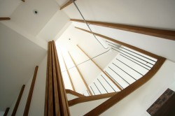 030-WovenNest-17-Stairs-middlelow-viewup-angled