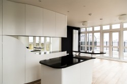 Wapping apartment by atmos - Alex Haw