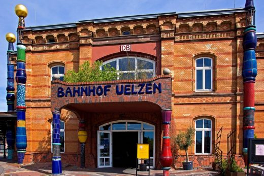 Hundertwasser Bahnhof train station building