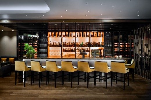 Stratus Bar and Restaurant in Toronto