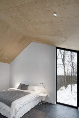 Quebec property design by Naturehumaine architects