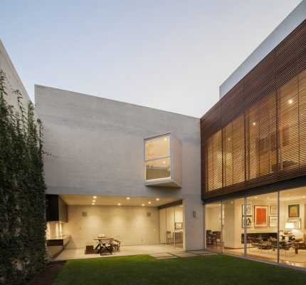 House V in Lima, New Peru Home