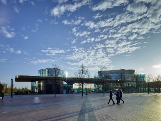 Gateway Pavilion in Greenwich by Marks Barfield Architects London