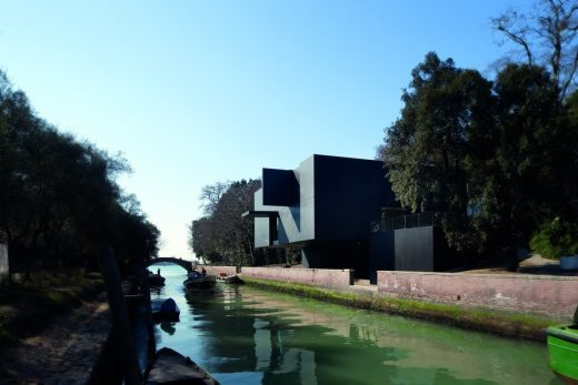 Pavilion in Venice building design Denton Corker Marshall Architects