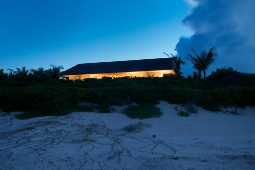 House on a Dune in Harbour Island