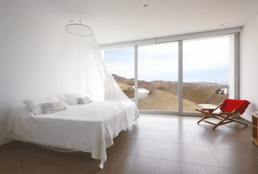 Peruvian property design by domenack arquitectos