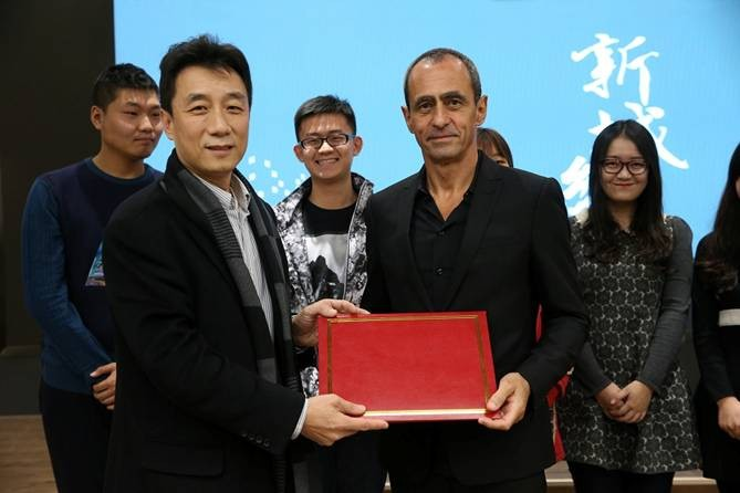 Weimin Zhuang, Dean of School of Architecture at Tsinghua University, Beijing, China, and Keith Griffiths, Chairman of Aedas