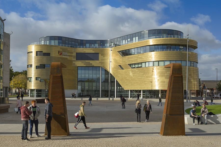 The Curve Building At Teesside University E Architect