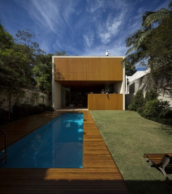 Contemporary Luxury House in Brazil