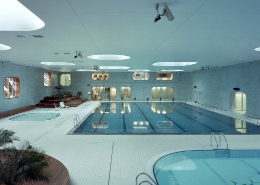South-West Paris Swimming Pool Building
