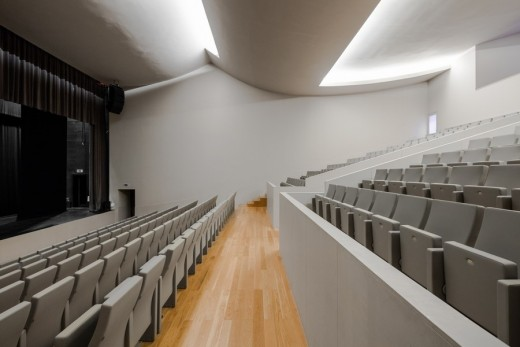 Public Auditorium in Llinars del Vallès