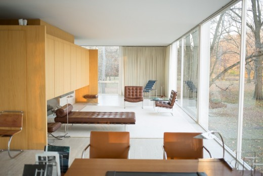 Farnsworth House by Mies van der Rohe interior