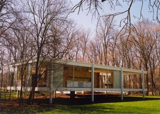Farnsworth House by Mies van der Rohe architect