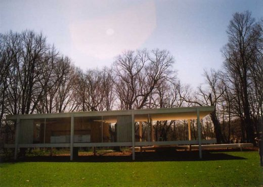 Farnsworth House USA by Mies van der Rohe architect