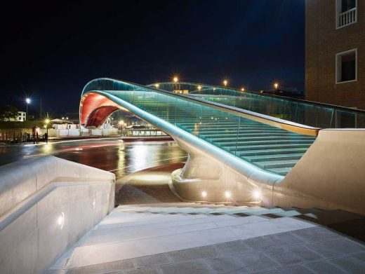 Venice Bridge by Architect Santiago Calatrava - Venice architecture tours