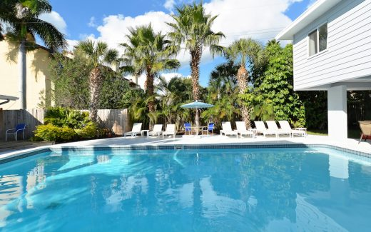 Florida Sun Coast beach vacation accommodation with pool