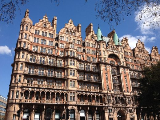 Hotel Russell London building