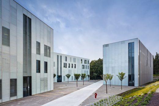 Aix University