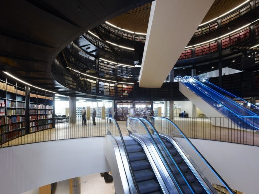 New Birmingham Library building interior