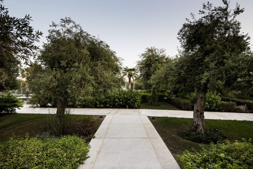 Contemporary Middle East public gardens