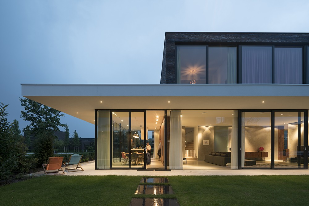 Dutch houses holland homes netherlands property e for Holland house design
