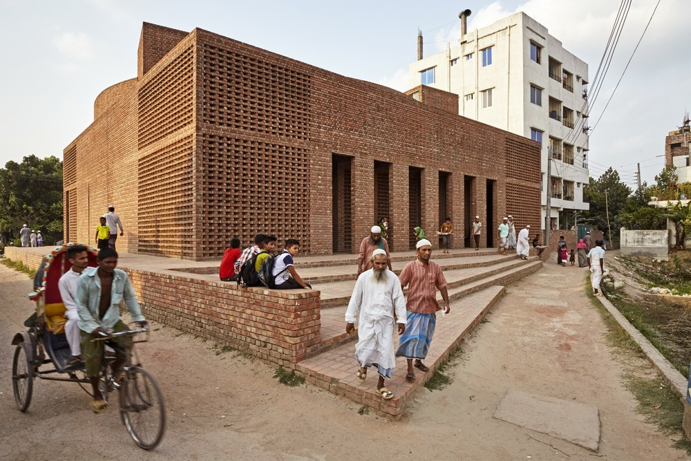 Bait ur rouf mosque dhaka building e architect for Bangladeshi building design