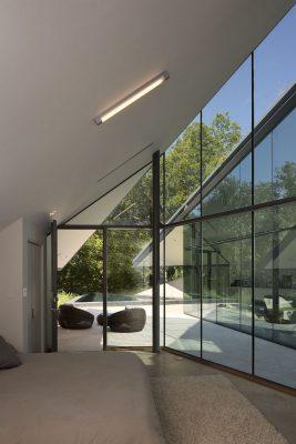 Edgeland Residence in Austin
